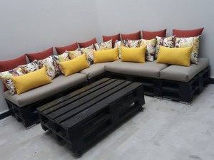 tapissier-marrakech-salon-L-jaune